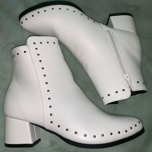 New qupid white booties size 6.5